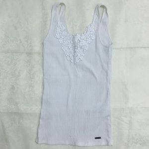 Hollister ribbed tank with floral detailing